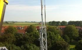 Demontage mast Oostburg